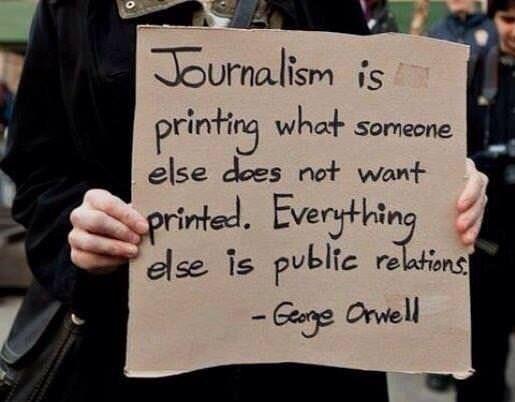 persconferentie kritisch journalisten